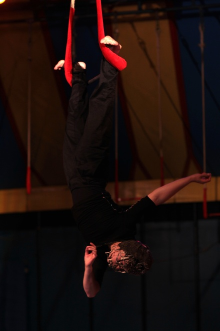 Trapeze (13).JPG