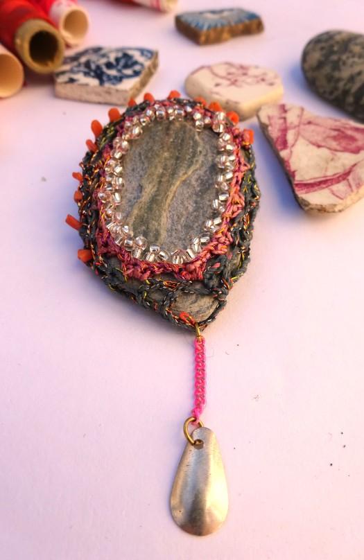 bijoux-cailloux.jpg
